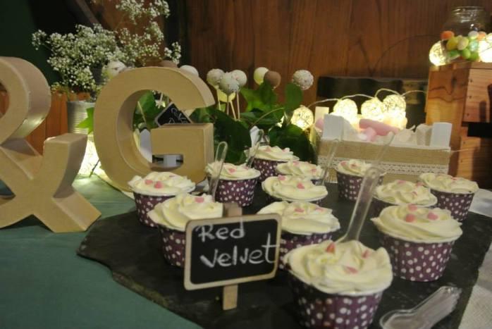 mesa dulce boda besando sapos red velvet terciopelo rojo