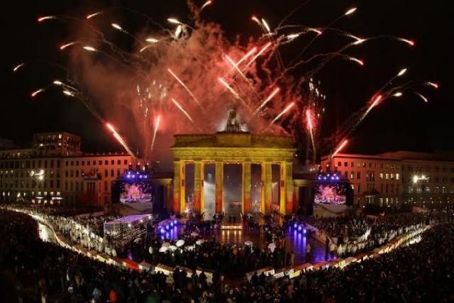 Berlín Fuegos artificiales Noche Vieja 31 de Diciembre